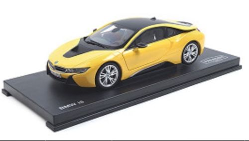 BMW i8 - Speed Yellow (LHD)