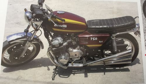 BENELLI 750 SEI - 1975 - DARK RED